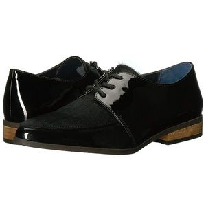 Dr School's Oxford shoes